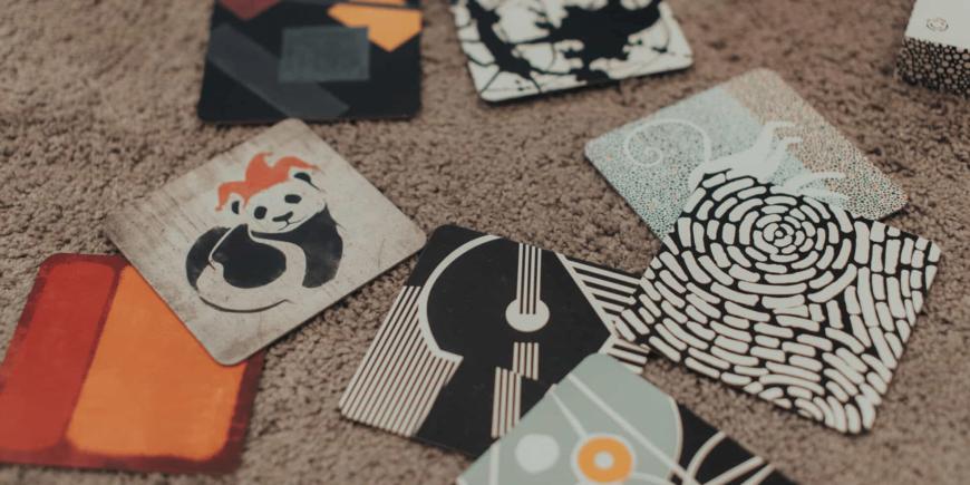 Jak używać kart kontrastowych ze starszym dzieckiem